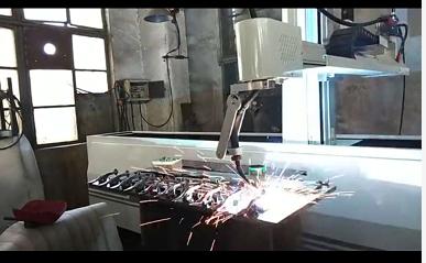 伊唯特焊接机械手