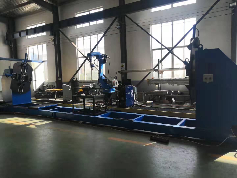 伊唯特焊接机器人+激光跟踪